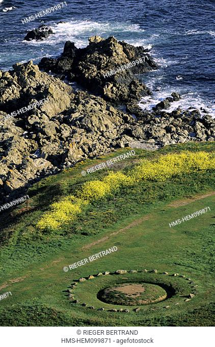 United Kingdom, Channel Islands, Guernsey island, circle of stones in Pleinmont headland called fairy ring by the locals