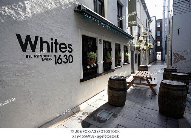 Whites Tavern, Belfasts oldest tavern established in 1630, Winecellar Entry, Belfast city centre, Northern Ireland, UK