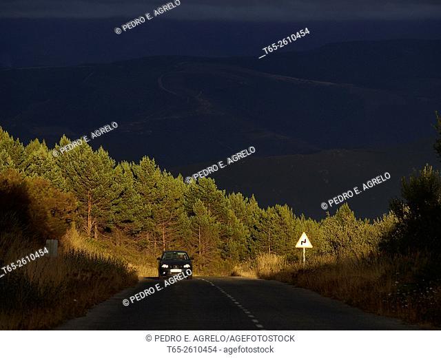 Forest fire, Folgoso do Courel, A Fonsagrada and Navia de Suarna, Lugo province, Galicia, Spain (July 26th 2015)