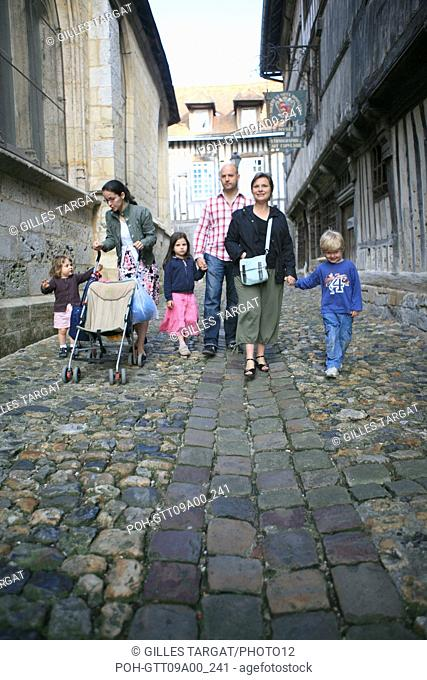 tourism, France, lower normandy, calvados, cote fleurie, honfleur, between the eglise saint etienne and the museum of ethnography, walk in family