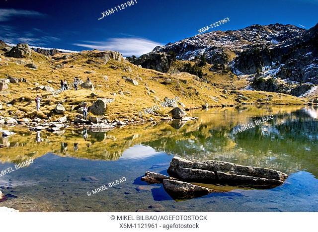 Garguilhs de Jos  Colomers glaciar cirque  Aran Valley  Pyrenees mountain range  Lerida province  Catalonia, Spain, Europe