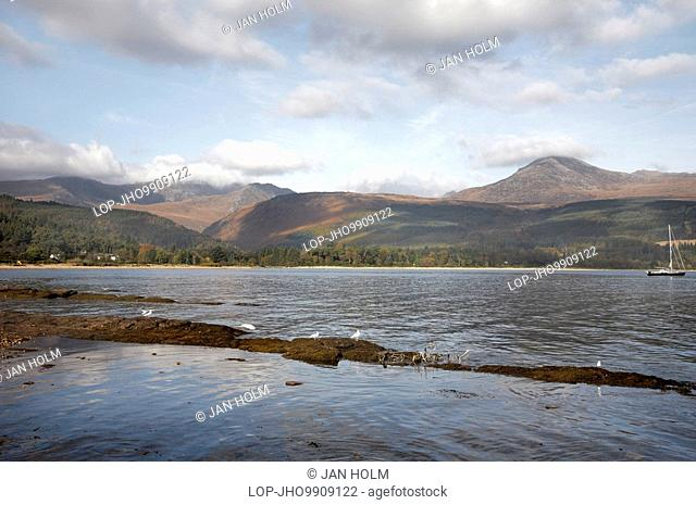 Scotland, North Ayrshire, Brodick, View across Brodick Bay to Goat Fell the highest point on the Isle of Arran and Arran Mountains