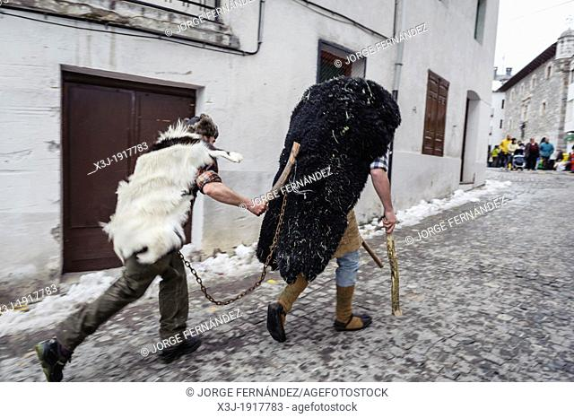'Domador' and 'onso'  Bear trainer and bear  Carnival of Bielsa, Huesca, Spain