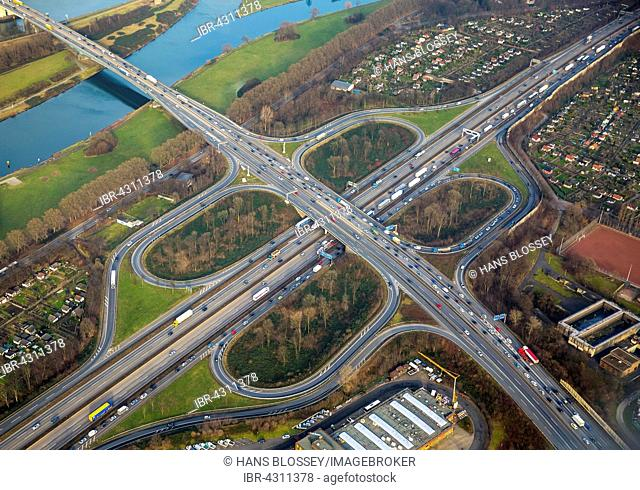 Motorway junction A40 and A59, motorway junction, cloverleaf, Duisburg, Ruhr district, North Rhine-Westphalia, Germany