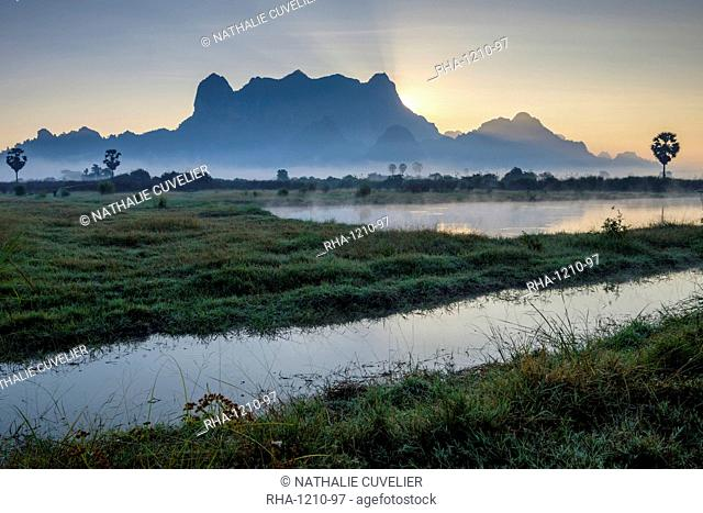 Karstic landscape, Hpa An, Kayin State (Karen State), Myanmar (Burma), Asia