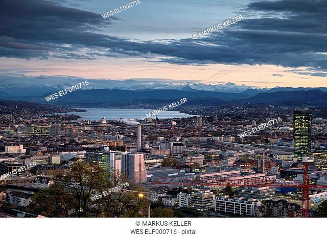 Switzerland, Canton Zurich, Zurich, city view to Zuerichsee and Swiss Alps in the evening