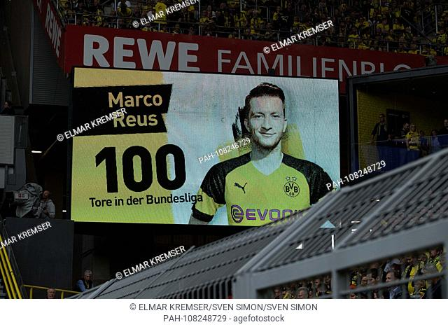 On the scoreboard Marco REUS (DO) 100th goal is celebrated, cheered, display, monitor, video wall, screen, feature, general, edge motif, football 1st Bundesliga