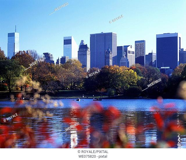 The Lake Central Park. Midtown Manhattan. New York. USA