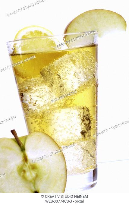 Apfelsaftschorle, apple juice