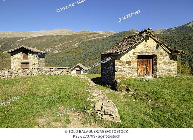 Bordas en Buisán, Buisán ,municipio de Fanlo,Huesca, Aragón, cordillera de los Pirineos, Spain