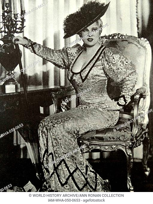 She Done Him Wrong, 1933. I collect diamonds, says Mae West to Gilbert Roland, it's m' hobby