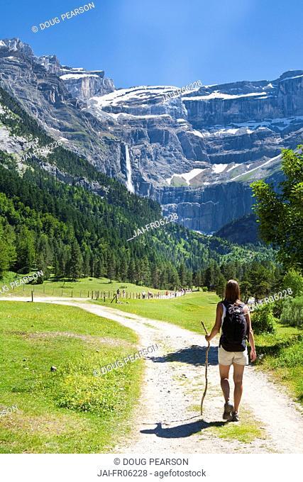 Walker, Cirque De Gavarnie, Pyrenees National Park, Hautes-Pyrenees, Midi-Pyrenees, France, MR
