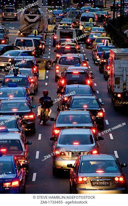 Gridlocked cars on three lane road