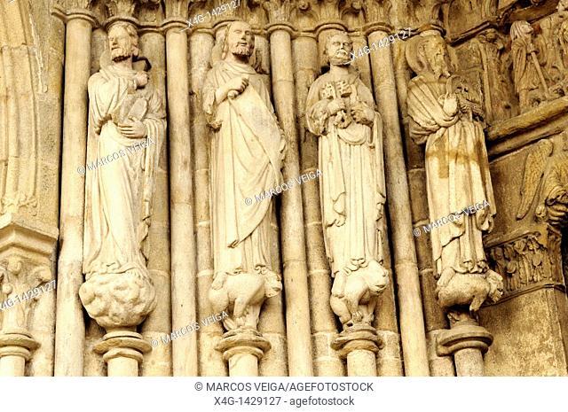 Tui cathedral, entrance portico