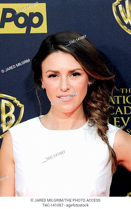 Elizabeth Hendrickson attends the 42nd annual Daytime Emmy Awards at Warner Bros. Studios on April 26th, 2015 in Burbank, California