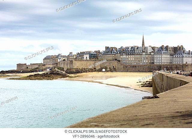 The town seen from the pier. Saint-Malo, Ille-et-Vilaine, Brittany, France