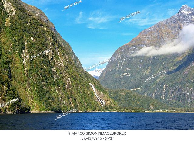 Milford Sound, Fiordland National Park, South Island, Southland, New Zealand