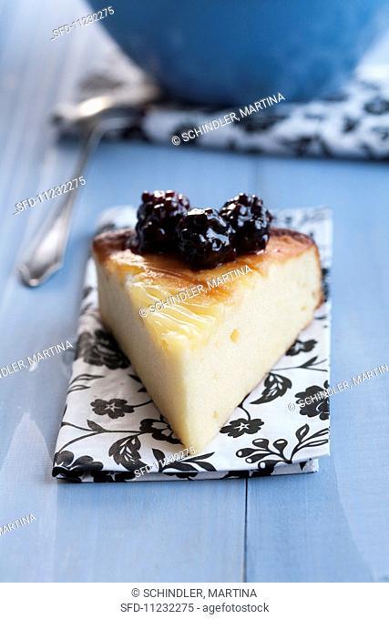 Cheesecake with honeyed blackberries