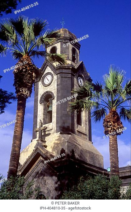 Tenerife - Puerto de la Cruz, Old church in a square on Calle de Quintana