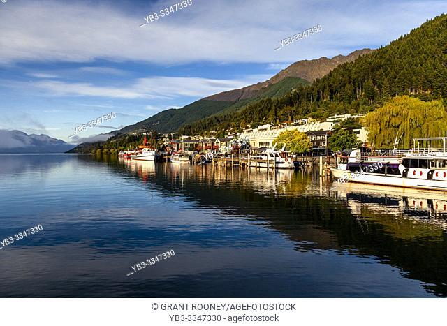 Lake Wakatipu and Queenstown, Otago, South Island, New Zealand