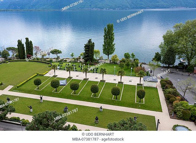 Grand Hotel 'Montreux Palace' with lakeside park, Montreux, Lake Geneva, Canton of Vaud, Western Switzerland, Switzerland