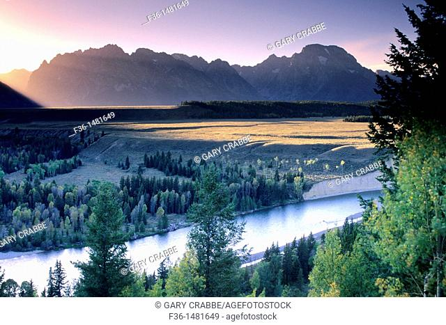 Sunset over the Teton Range mountains from the Snake River Overlook, Grand Teton National Park, WYOMING