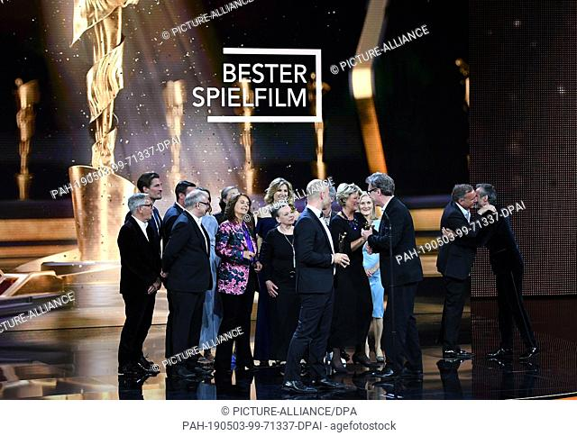 """03 May 2019, Berlin: The team of the film """"""""Der Junge muss an die frische Luft"""""""" receives the Lola in bronze at the 69th German Film Award """"""""Lola"""""""" in the..."""