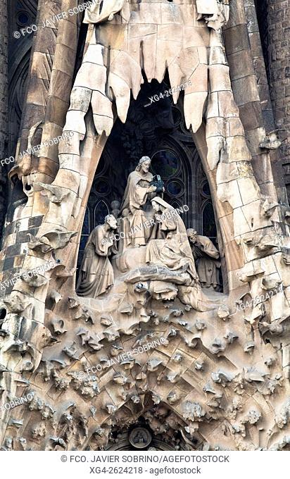 """Fachada de la Natividad â. """" Coronación de la Virgen - Sagrada Familia, Barcelona, Catalonia, Spain"""