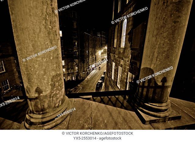 Edinburgh streets at night