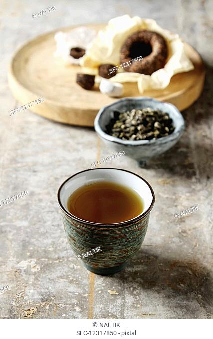 Porcelain chinese cups, steel teaspoon