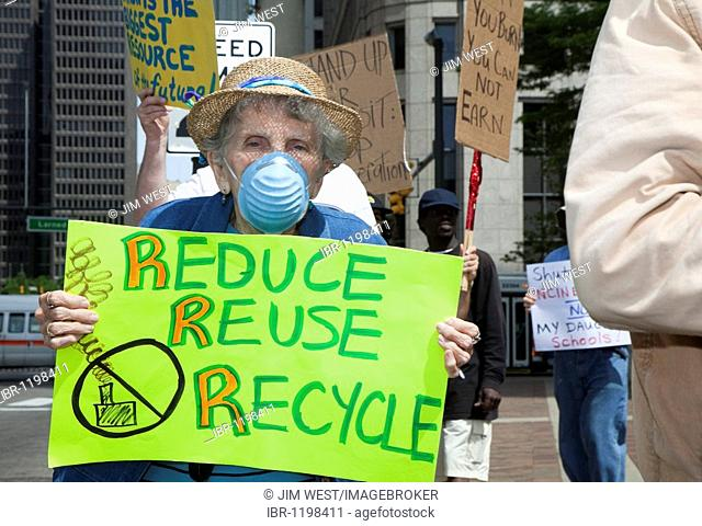 Residents of Detroit urge the closure of the city's trash to energy incinerator, Detroit, Michigan, USA