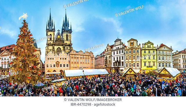 Tyn Cathedral, Christmas market, Old Town Square, historic centre, Prague, Czech Republic
