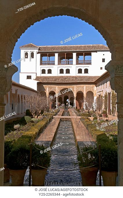 Generalife Palace and Courtyard of the Acequia, Generalife, Alhambra, Granada, Region of Andalusia, Spain, Europe