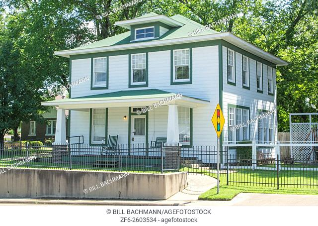 Hope Arkansas birthplace home of President Bill Clinton to commemorate his hometown at 117 Hervey Street