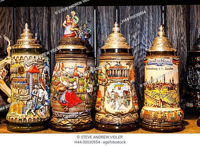 Germany, Bavaria, Romantic Road, Rothenburg ob der Tauber, Souvenir Beersteins
