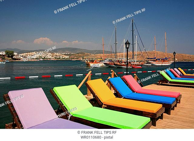 Turkey, Bodrum peninsula, Gumbet,sunbeds and yachts