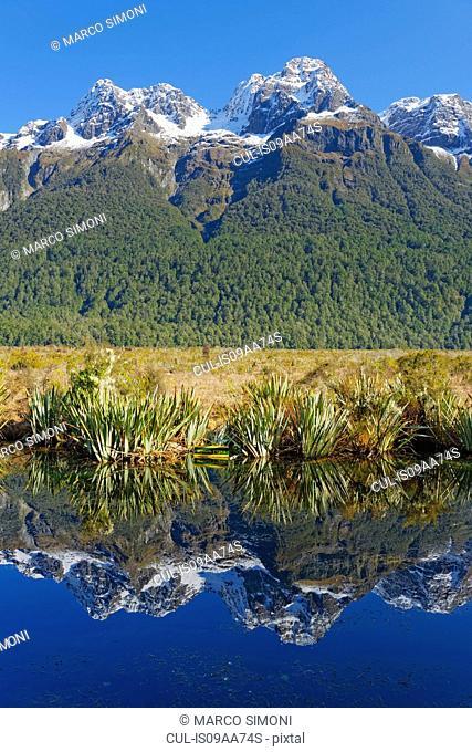 Lake Matheson reflecting mountains, Milford Sound, Fiordland, South Island, Southland, New Zealand