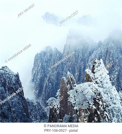 Landscape of Scissors Peak, West Sea, Yellow Mountain, Anhwei