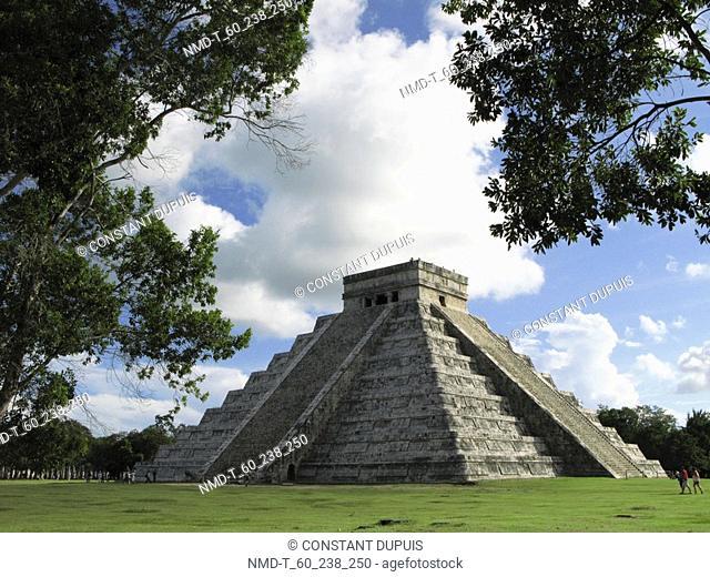 Old ruins of a pyramid, Kukulkan Pyramid, Chichen Itza, Yucatan, Mexico
