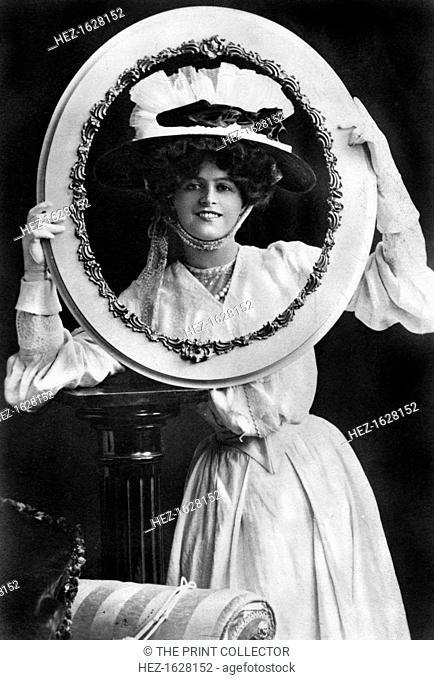 Marie Studholme (1875-1930), English actress, 1904