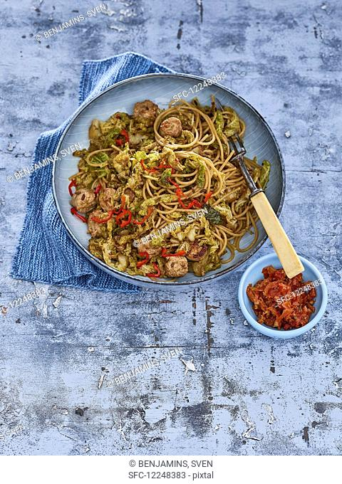 Spaghetti with kale and fennel