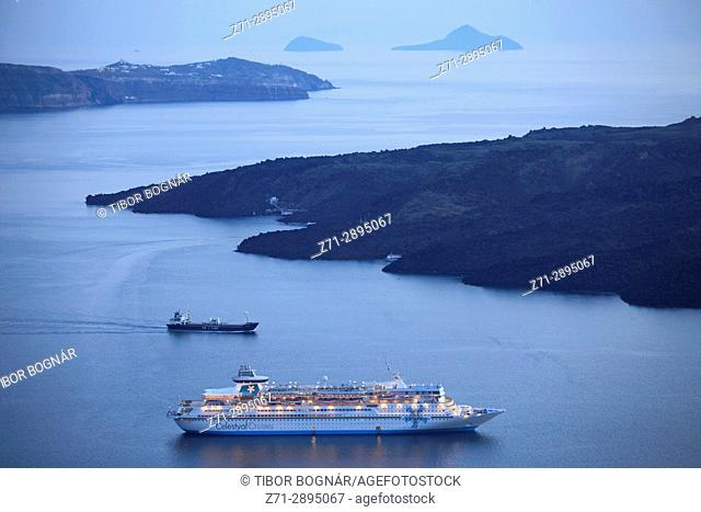 Greece, Cyclades, Santorini, cruise ship, sunset, Nea Kameni island