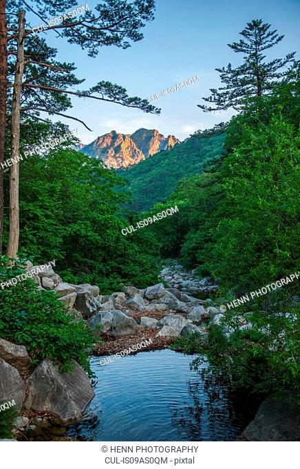 Scenic view of Seoraksan national park, Gangwon, South Korea