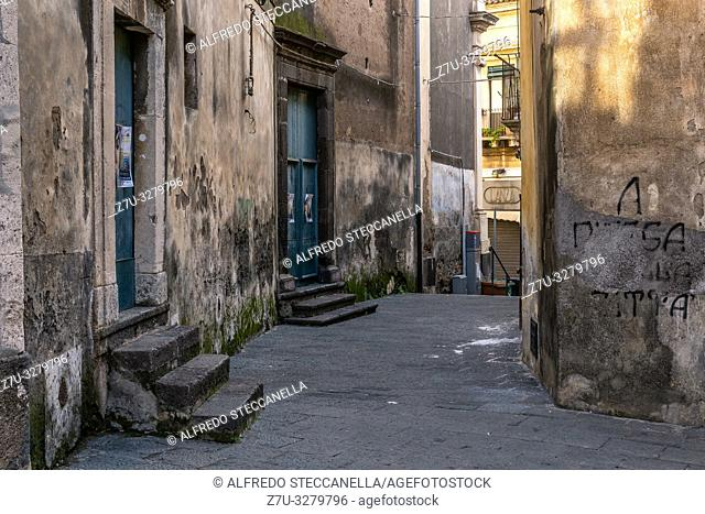 The very old sicilian houses and street