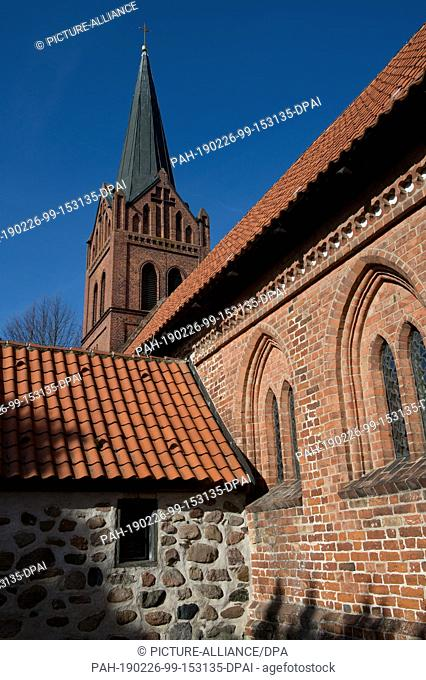 25 February 2019, Mecklenburg-Western Pomerania, Liepen: The church of Lieben bei Jarmen is built of boulders and bricks