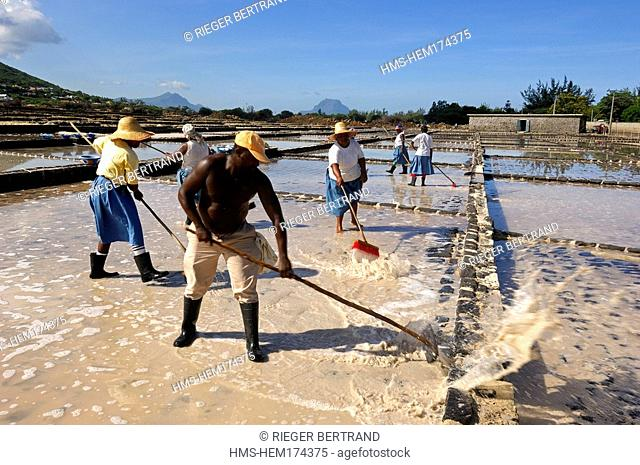 Mauritius island, West region, salt collecting in the Tamarin salines