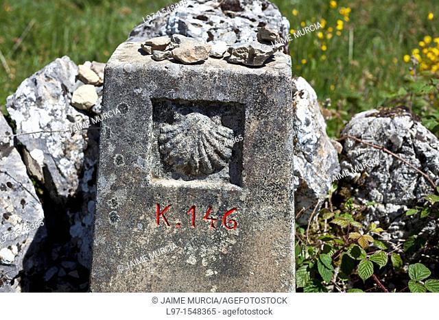 Way marker along the Camino de Santiago, village of Alto de San Roque
