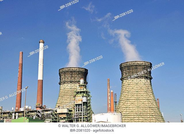 Vent stacks and burner, Rheinland Raffinerie-Werk Nord refinery, Shell Germany, oil refinery, Godorf near Wesseling, North Rhine-Westphalia, Germany, Europe