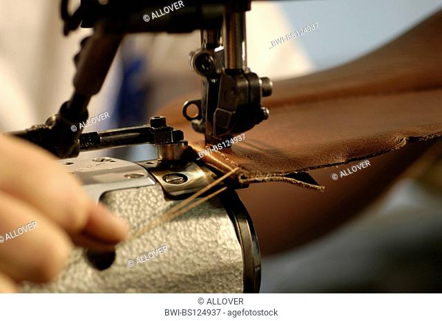 saddlery sewing-machine