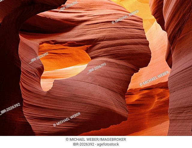 Rock formation Lady in the wind, red sandstone of the Moenkopi formation, rock formations, colours and textures in the Lower Antelope Slot Canyon